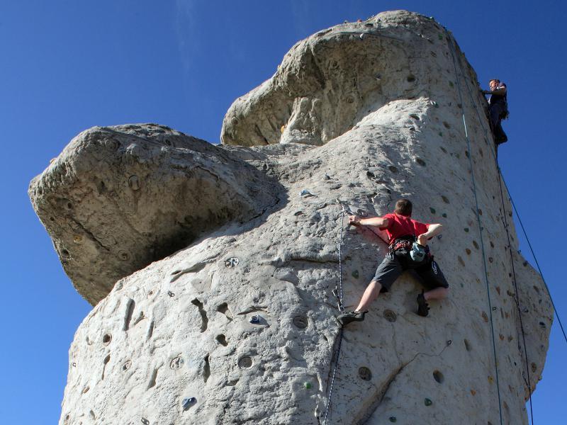 """Rocher d'escalade """"espace René Messon"""" - Chambray-lès-Tours (37)"""